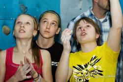 Terka radí holkám před kvalifikací. Foto: Monika Brkalová.